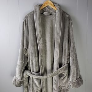 Small/Medium Wamsutta Soft Luxury Plush Robe Gray
